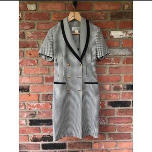 80 Vintage Petite Sophisticate Black & White Dress